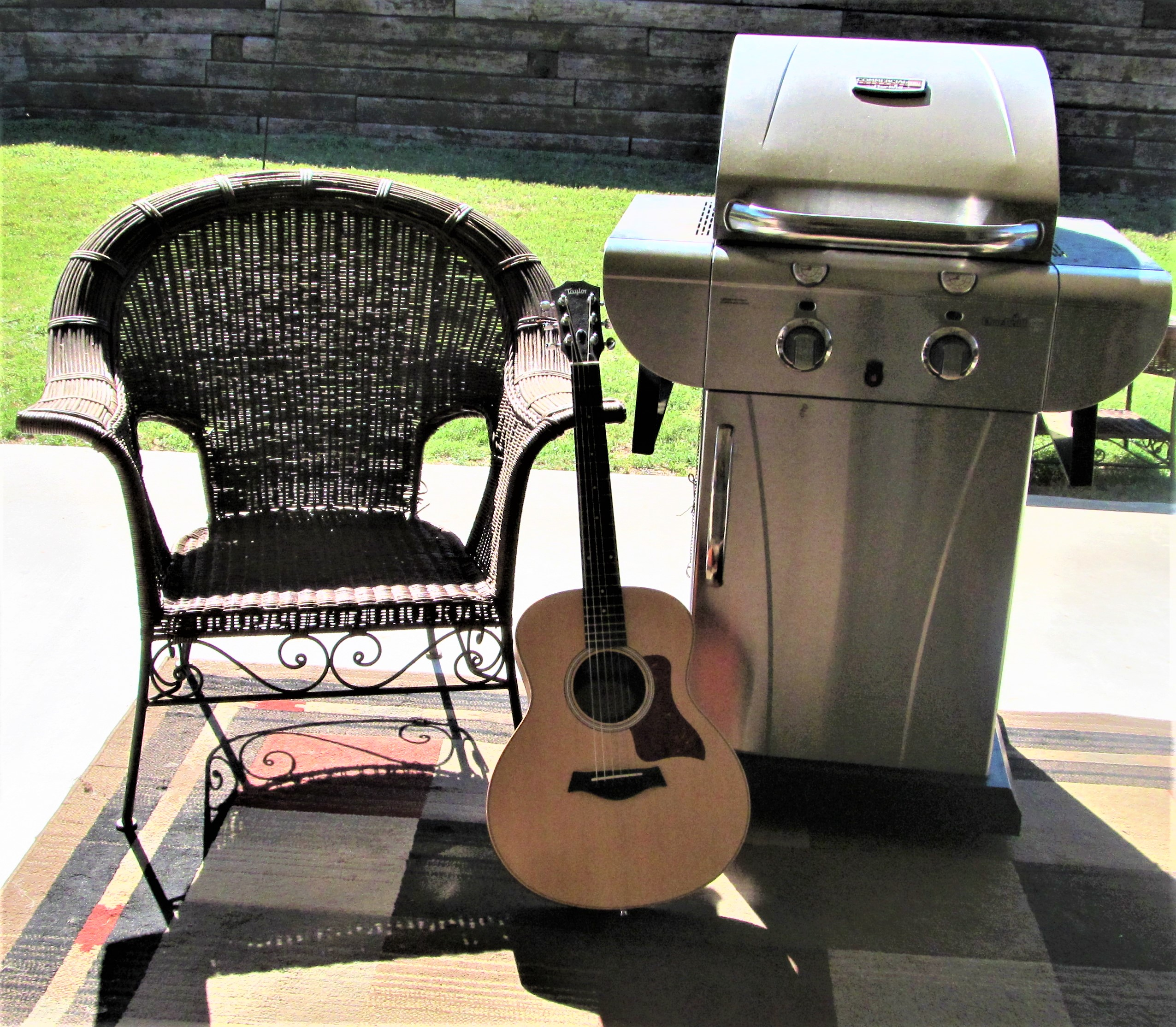 grill guitar chair may 5