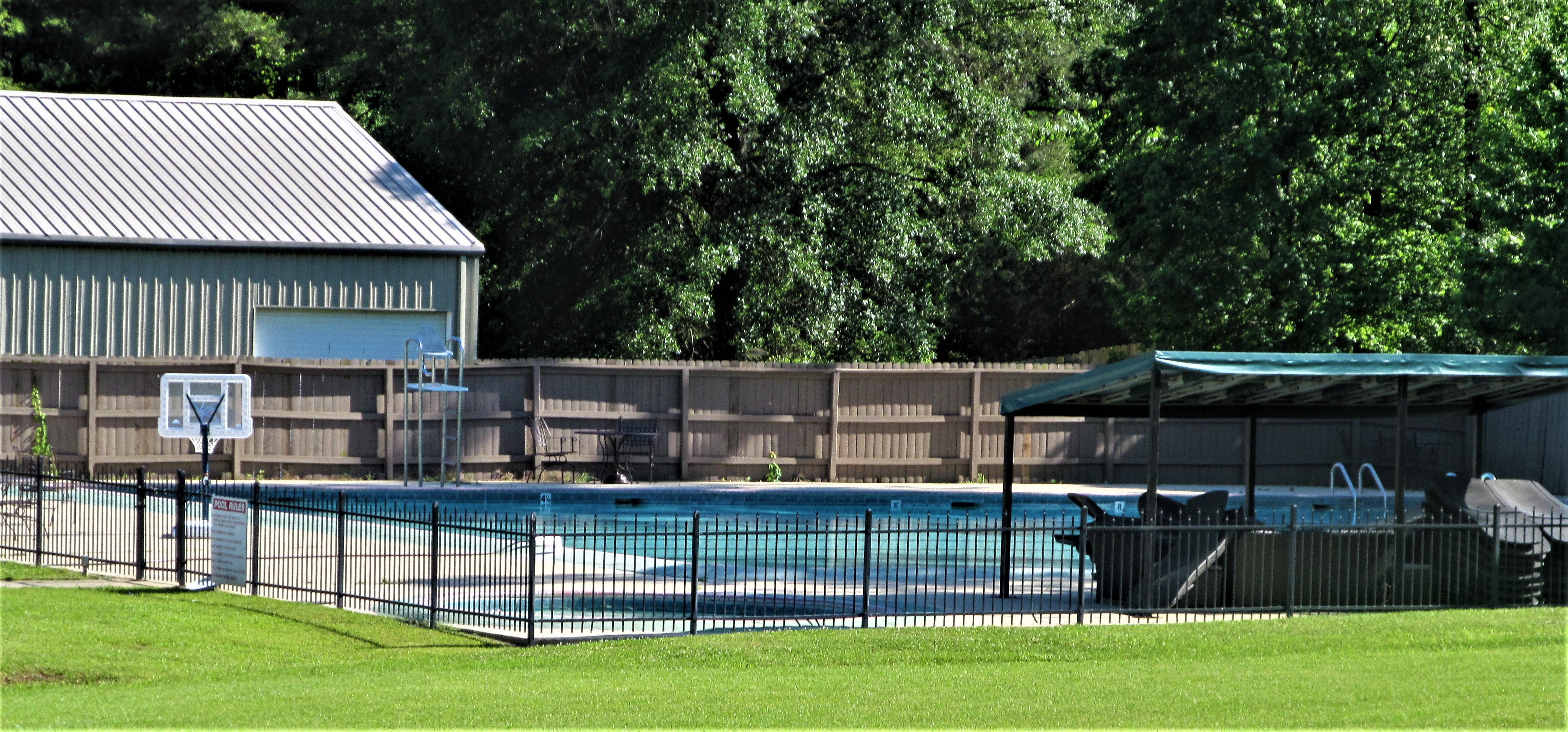 castlewoods pool may 6