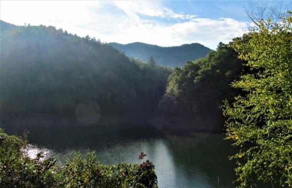 sun on river mountain 1